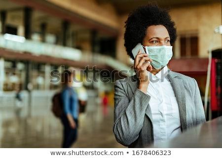 jonge · afro-amerikaanse · zakenvrouw · mobiele · telefoon · portret · kantoor - stockfoto © photography33