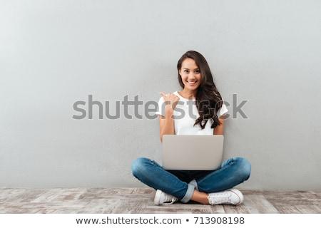 студент · улыбаясь · рабочих · ноутбука · еды - Сток-фото © sumners