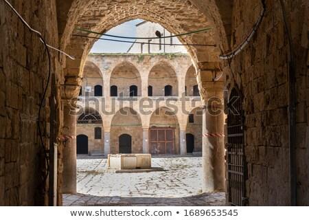 Traducción posada columnas barrio antiguo mejor Foto stock © eldadcarin