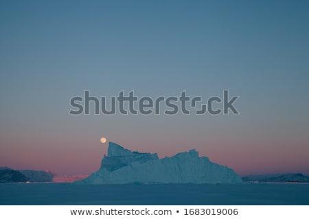 gyönyörű · jéghegy · körül · víz · tenger · óceán - stock fotó © imagix