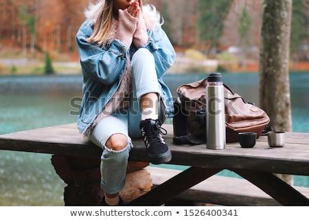 Сток-фото: красивая · девушка · синий · свитер · джинсов · портрет