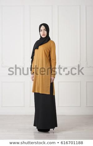 Mode stijl foto vrouw hoofddoek dame Stockfoto © majdansky