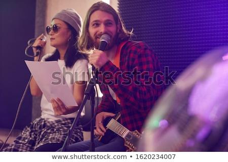 gitarist · oturma · sahne · gece · kulübü · kadın - stok fotoğraf © wavebreak_media