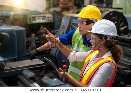 女性 · 作業 · マシン · アジア · ワークショップ · 工場 - ストックフォト © rastudio