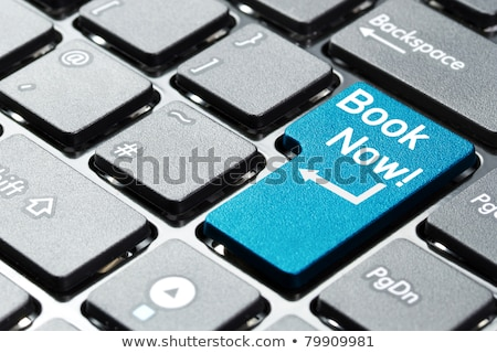 Książki teraz tekst niebieski klawiatury przycisk Zdjęcia stock © tashatuvango