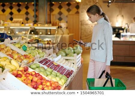 Toevallig jeugdig meisje foto vers Stockfoto © pressmaster