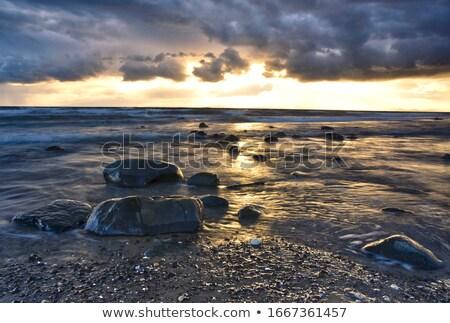 tengerpart · kagyló · sziget · felhők · tenger · nyár - stock fotó © pixelmemoirs