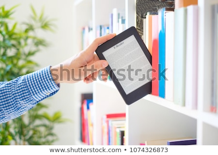 ebook · leitor · óculos · branco · de · volta · terreno - foto stock © Sniperz