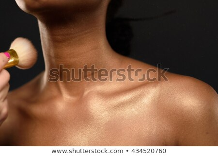 Foto stock: Corpo · cuidar · mulher · jovem · pó · pincéis · de · maquiagem