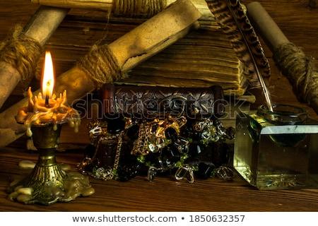 Boncuk mum yalıtılmış beyaz stüdyo Stok fotoğraf © doupix
