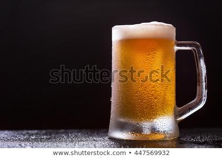 Foto stock: Completo · vidro · escuro · preto · cerveja · topo