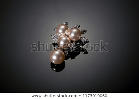 Diamant scump piatră luminos colorat cadou Imagine de stoc © JanPietruszka