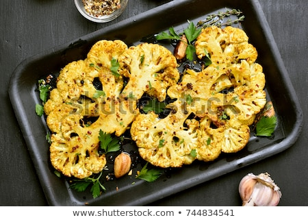 Grillezett karfiol gyógynövények étel vacsora étel Stock fotó © M-studio