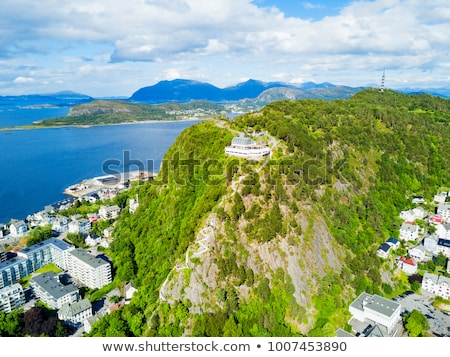 Ver montanha cidade norueguês paisagem verão Foto stock © Kotenko