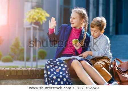 bonitinho · menino · falante · irmã · mulher · trabalhar - foto stock © wavebreak_media