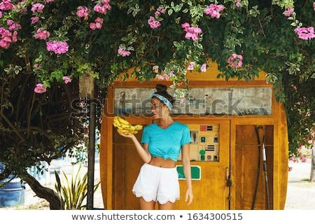 rétro · femme · heureux · vieux · femme · souriante - photo stock © dashapetrenko