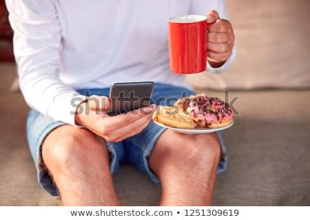 Foto d'archivio: Uomo · bere · caffè · mangiare · telefono · auto