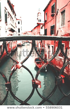 szeretet · korlát · híd · felirat · zár · vasaló - stock fotó © kyolshin