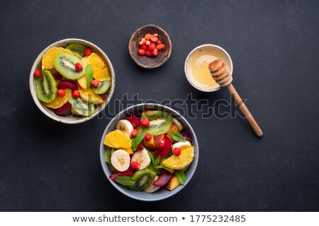 Ensalada de fruta frutas desayuno ensalada dieta saludable Foto stock © M-studio