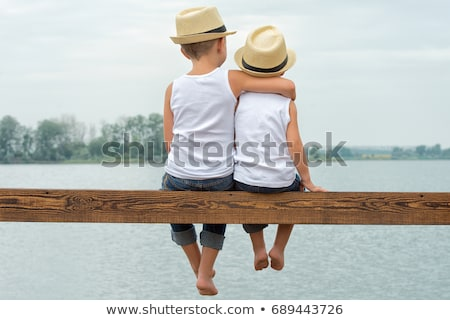мальчика · сидят · Плечи · семьи · человека · ребенка - Сток-фото © is2