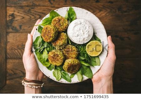 orta · doğu · kadın · plaka · salata · yeme · renk - stok fotoğraf © monkey_business