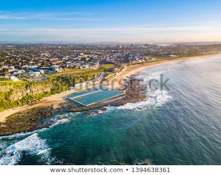 ニューカッスル · ビーチ · オーストラリア · いい · 日 · 見える - ストックフォト © jeayesy