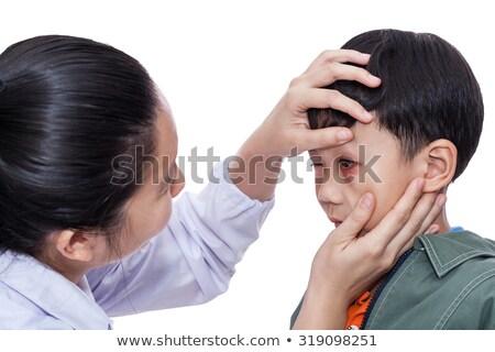 Jongen eerste hulp oog letsel illustratie medische Stockfoto © bluering