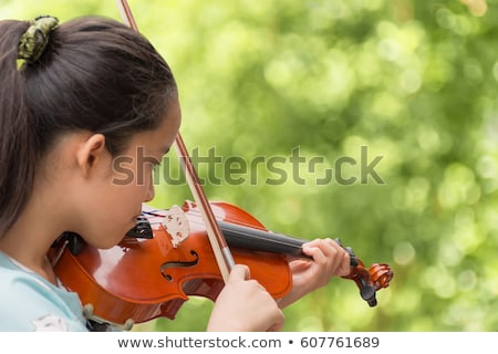 Kislány játszik hegedű illusztráció zene gyermek Stock fotó © colematt