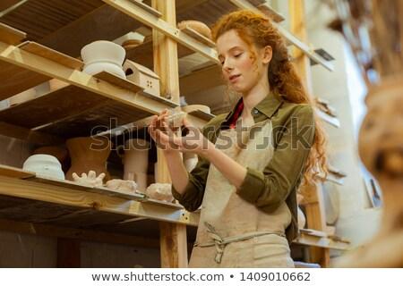 gyönyörű · fiatal · hosszú · hajú · nő · pici · rövidnadrág - stock fotó © darrinhenry