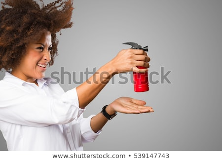 Mulher jovem lata spray de cabelo negócio cabelo fundo Foto stock © photography33