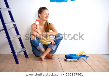 jonge · asian · schilderij · vrouw · buitenshuis - stockfoto © deandrobot