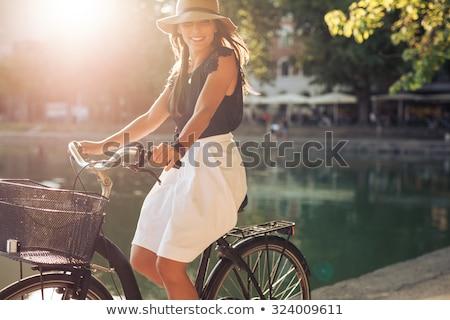 若い女性 · ライディング · 自転車 · 公園 · 肖像 · 自転車 - ストックフォト © kzenon
