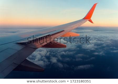 翼 · 飛行機 · 雲 · ビジネス · 空 · 水 - ストックフォト © rufous
