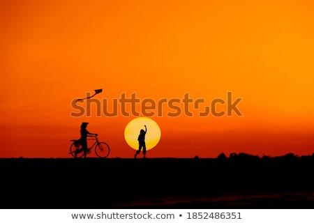bicikli · bemozdulás · lovaglás · igazi · gyors · kezek - stock fotó © kyolshin