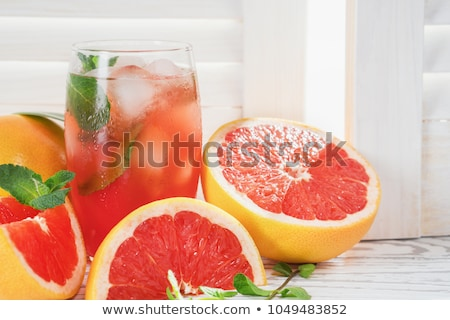 Pamplemousse jus verre table eau alimentaire Photo stock © tycoon