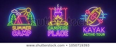 Kamp tent neon label camping promotie Stockfoto © Anna_leni