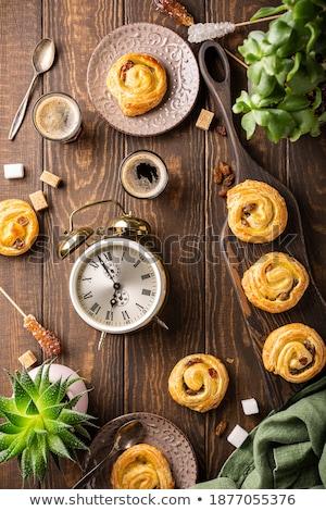Fresco sem glúten doce redemoinho passas de uva café da manhã Foto stock © Melnyk