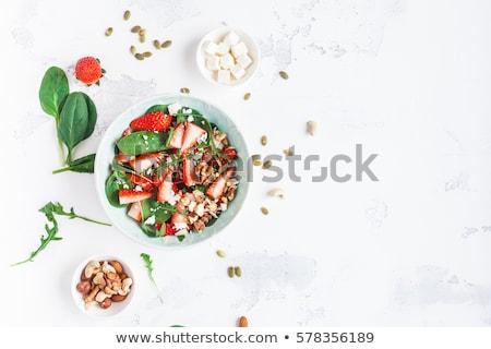新鮮な サラダ イチゴ フェタチーズ ナッツ 木製 ストックフォト © Illia