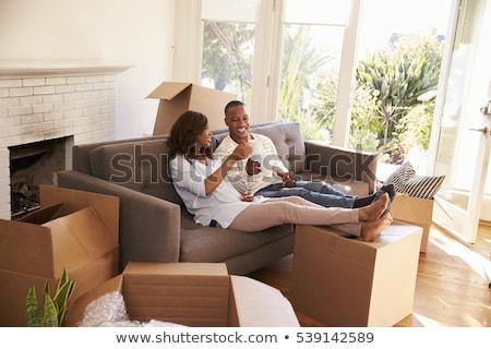 ünneplés pirítós költözés napja nő ház férfi Stock fotó © photography33