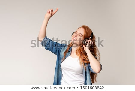 mulher · dança · escuta · mp3 · player · escritório · menina - foto stock © wavebreak_media