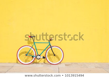 Classic Vintage Black Hipster Bicycle On The Street Stockfoto © 2Design