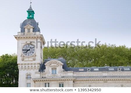 Clock torre stazione ferroviaria Francia grigio cielo Foto d'archivio © Photooiasson