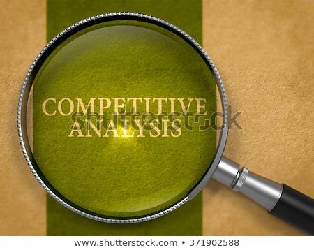 Versenytárs elemzés nagyító régi papír zöld függőleges Stock fotó © tashatuvango