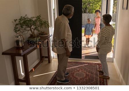 Afro-amerikaanse grootouders permanente deur Stockfoto © wavebreak_media