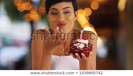 Сток-фото: еды · торт · женщину · девушки · лице · счастливым