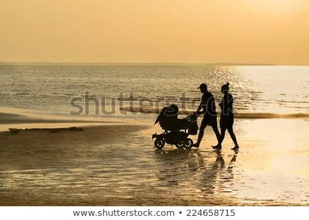 Rodziny baby zachód słońca niebo para piękna Zdjęcia stock © Paha_L