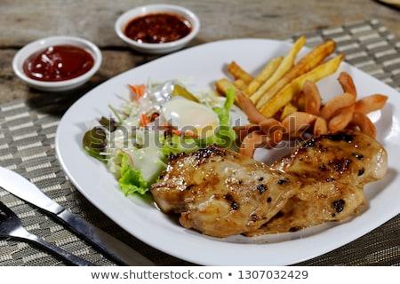 Csirkemell zöld saláta szeletek filé tyúk Stock fotó © Digifoodstock