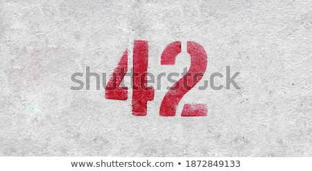 Numara kırmızı boyalı duvar tuğla duvar ev Stok fotoğraf © Klinker