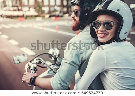 çift yürüyüş motosiklet kask kadın sevmek Stok fotoğraf © IS2