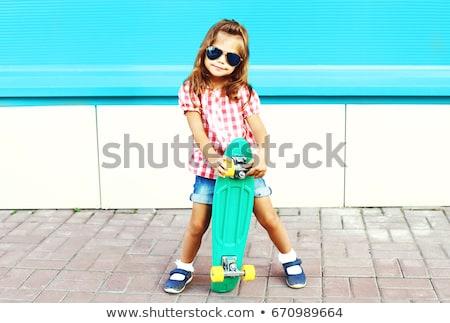 Mode kid zomer stad modieus meisje Stockfoto © ElenaBatkova